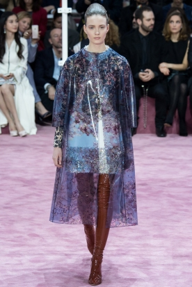 Christian Dior's glittery spring-style-behind_11