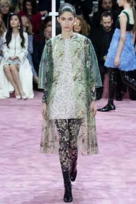Christian Dior's glittery spring-style-behind_12