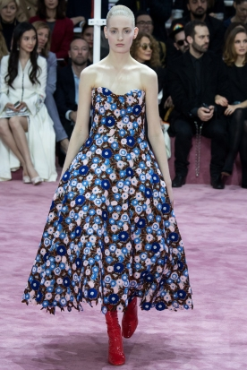 Christian Dior's glittery spring-style-behind_20