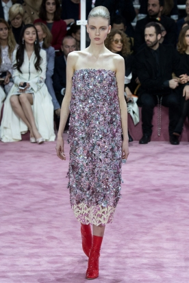 Christian Dior's glittery spring-style-behind_21
