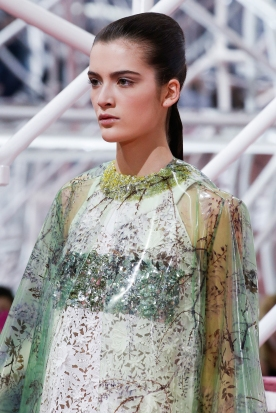 Christian Dior's glittery spring-style-behind_28
