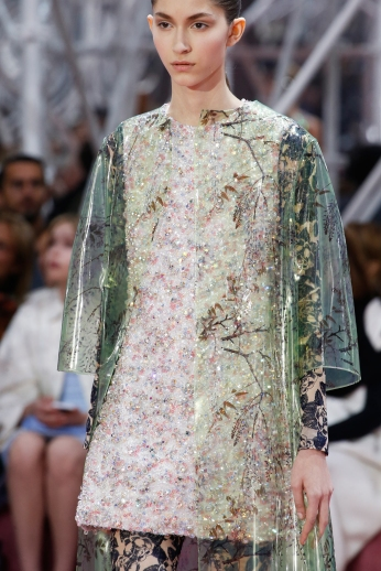 Christian Dior's glittery spring-style-behind_36