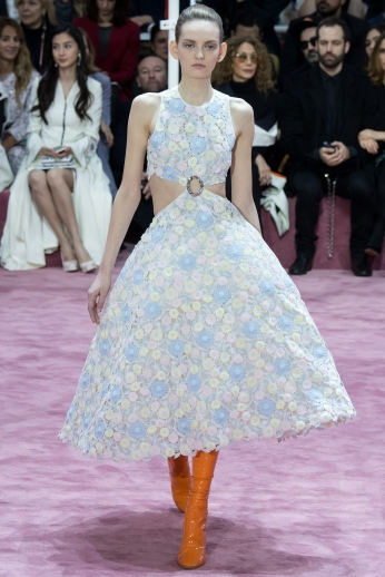 Christian Dior's glittery spring-style-behind_7