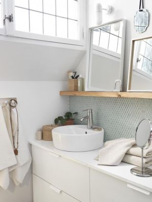 5. Placing mirrors of different sizes will make your bathroom looks more chic and lively.