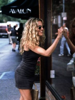 Carrie Bradshaw (Sarah Jessica Parker), Sex And The City (1998-2004). We love her because she's utterly self-confident, a true life lover and isn't afraid to dare with colors and shapes. (And she rocks black too).
