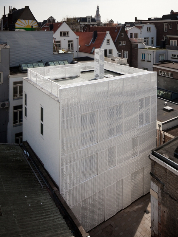 Façade design for a residential building by Abbink X de Haas architects and housing cooperation de Key in the center of Amsterdam, 2012. Ph by Hans Peter Follmi, courtesy of Chris Kabel